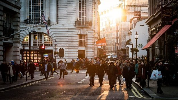 What's going on in the UK jobs market ahead of Christmas?