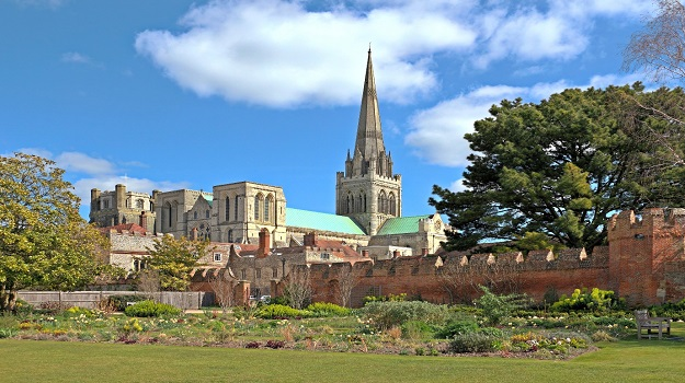 10 reasons to search for a job in Chichester